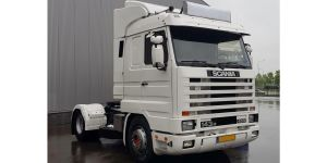Witte SCANIA 143M RouwTruck